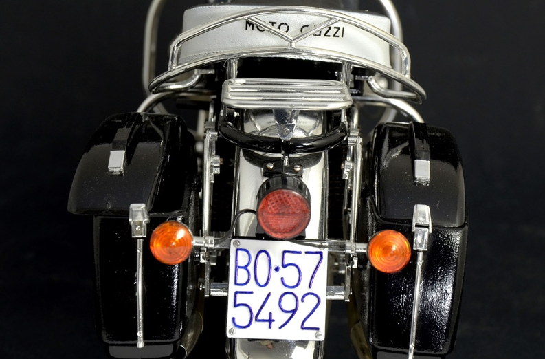 moto guzzi italeri v850