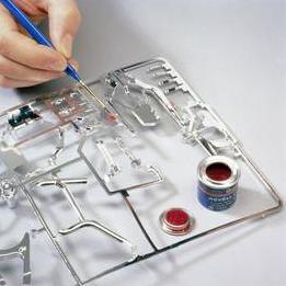 pintando maqueta en las grapas